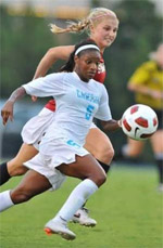 north carolina women's college soccer player crystal dunn
