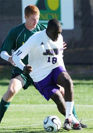 james madison mens college soccer player cj sapong