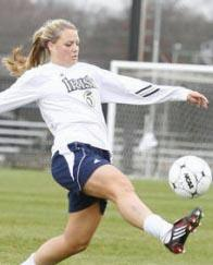 women's college soccer player melissa henderson