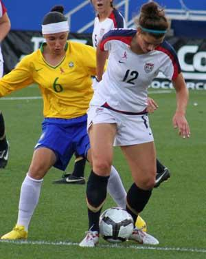 girls club soccer player cari roccaro