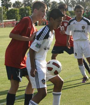boys club soccer players from the us uqr bnt and la galaxy