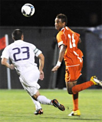 oregon state men's college soccer player khiry shelton